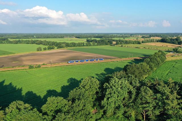 NS SNG treinstel 2363 - trein 8165  Zwolle - Groningen  - Hooghalen