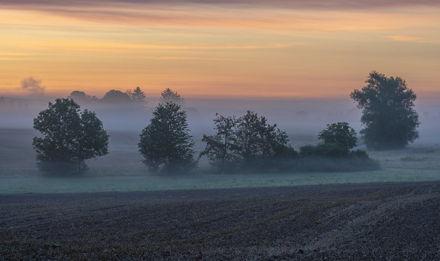 *morning sky over the valley of the mist*