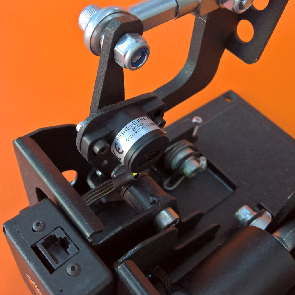 SD13-pedals-accelerator