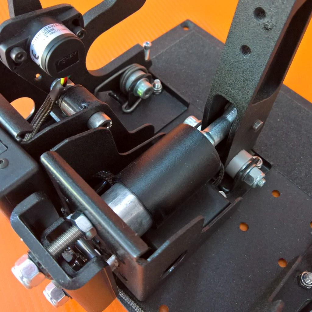 SD13-pedals-brake (1)