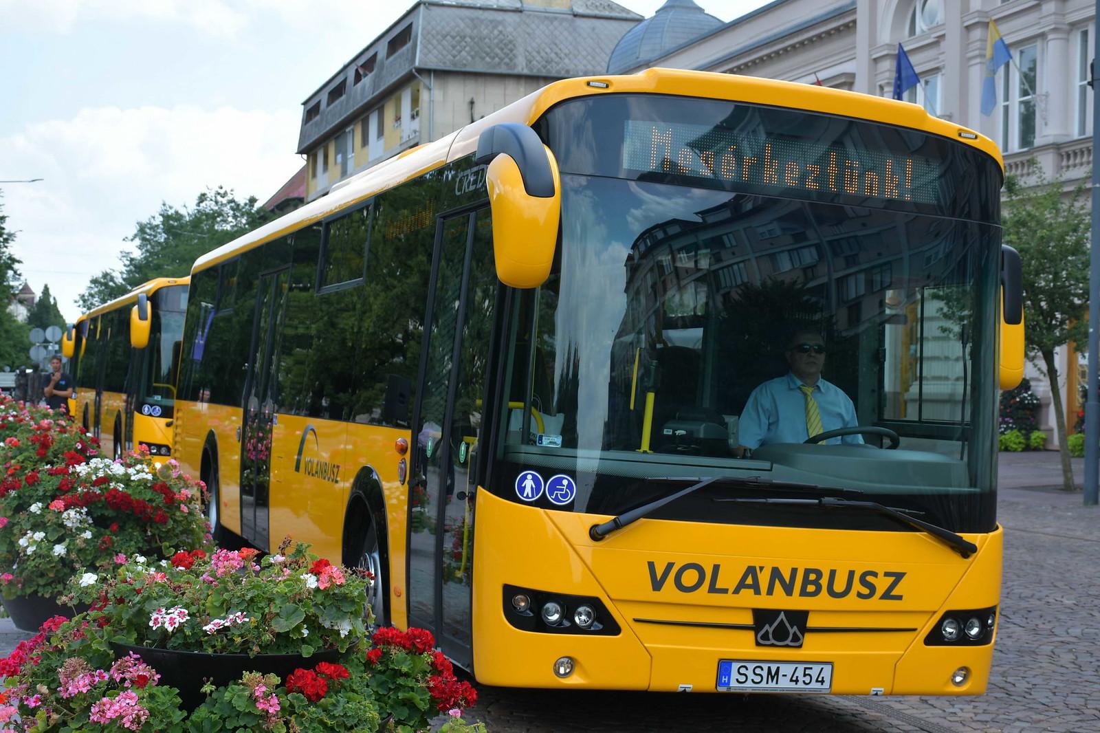 Új buszok segítik a megye közlekedését