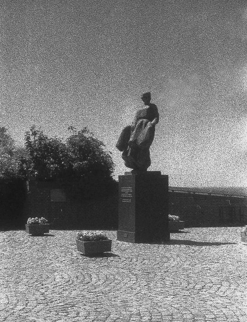 Fisherman's monument Urk