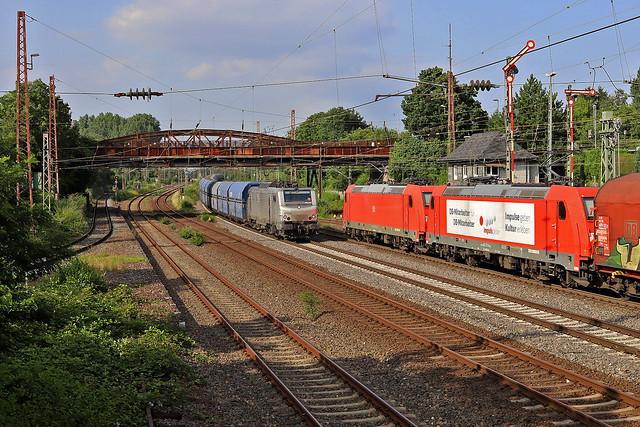 CFL Cargo 37050, DBC 185 353 + 185 273 Düsseldorf (D) 21 juli 2021