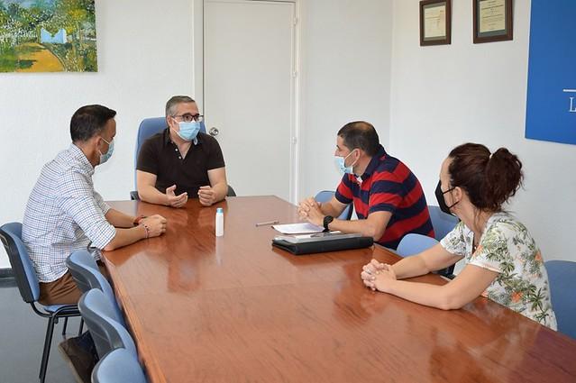 Alcalde LPYV recibe al nuevo director del colegio Pablo Ruiz Picasso