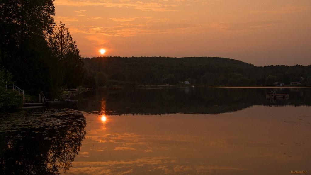 Coucher de soleil, Sunset, Lac Lemery, Montpellier, P.Q., Canada - 6908