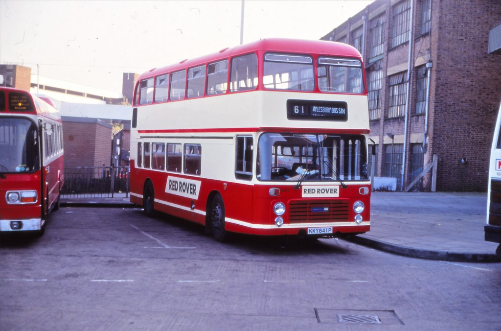 Luton and District KKY841P