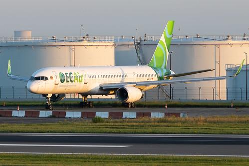 ec air ecair 757 boeing b757 752 b752 plane aircraft stored sunrise bru ebbr brusselsairport brussels airport