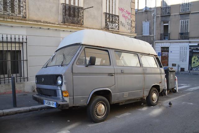 01:12:1985 Volkswagen Transporter T3 Fourgon vitré 1.6D 50 FQ-608-VY (63) - 22 juin 2021 (Marseille)