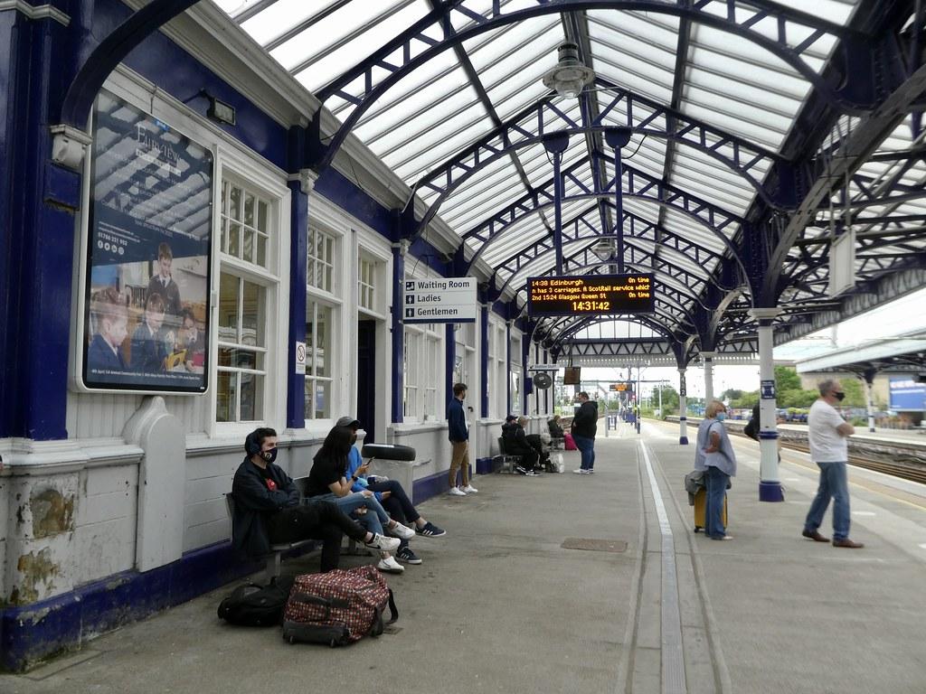 Stirling station platform