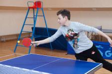 Территория Санатория Ружанский - игра в настольный теннис в спортивном зале