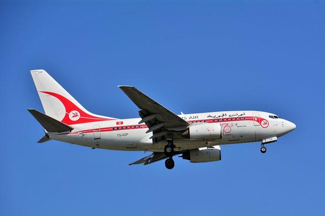 (ORY) Tunis Air Boeing B737-600 TS-IOP