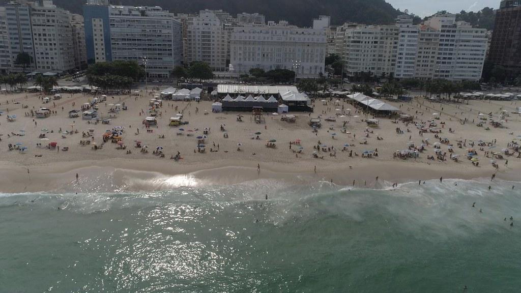 Follow The Beach Copacabana