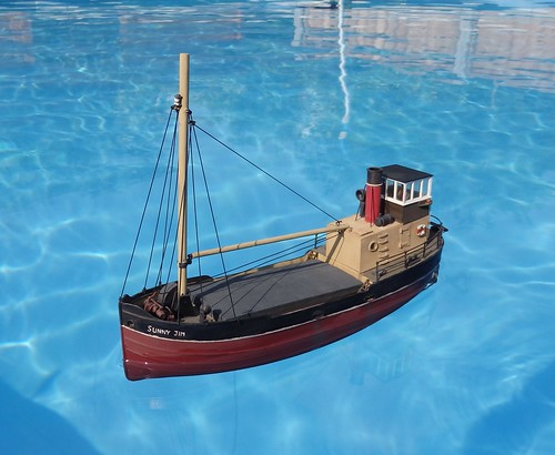 Deans Marine radio controlled 1:72 Clyde Puffer