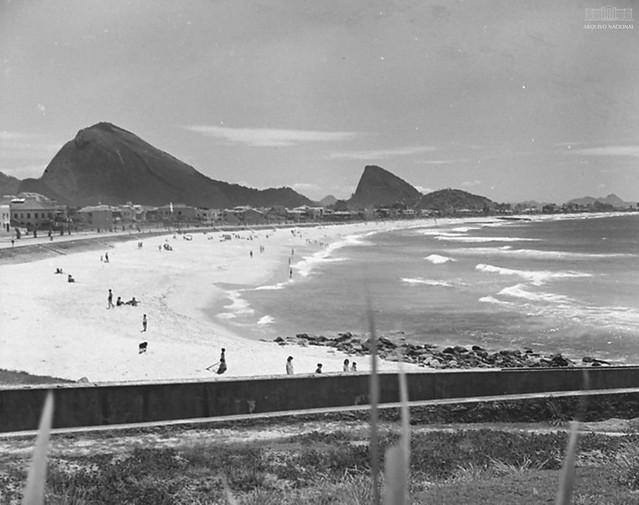 Praia do Leblon, Rio de Janeiro (RJ), 1954