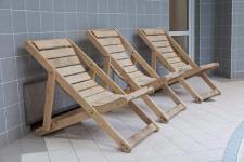 Территория Санатория Ружанский - стульчики для присмотра за детьми