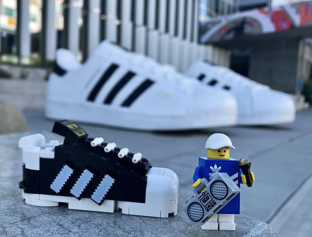 LEGO Mini Adidas Originals Superstar