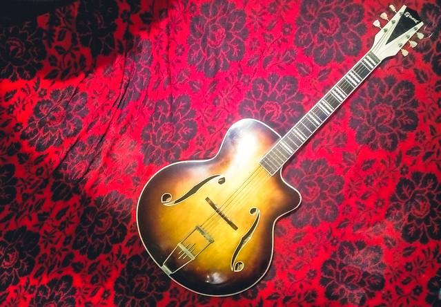 Egmond ES57 archtop guitar