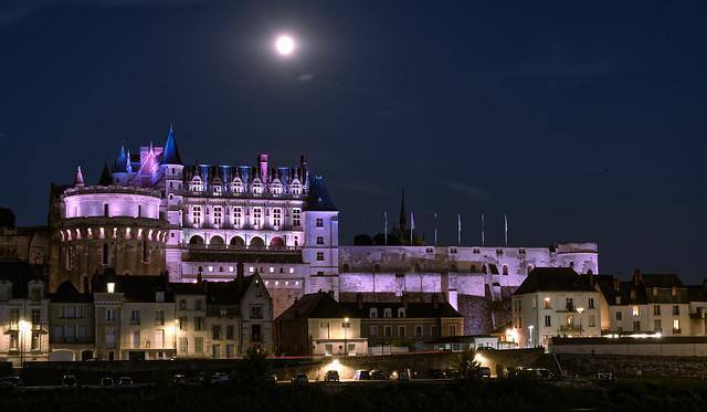 L'heure bleue sur le château. Explored July 22, 2021