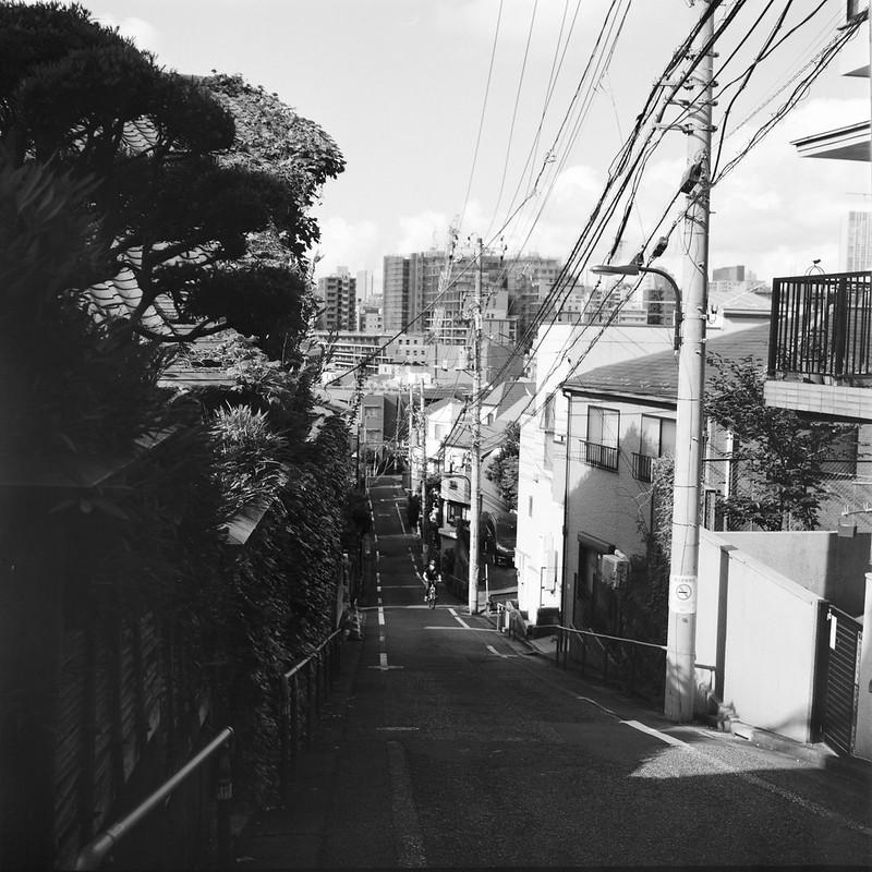 12Rolleiflex 2 8f+Fujifilm ACROSⅡ100高田一丁目富士見坂