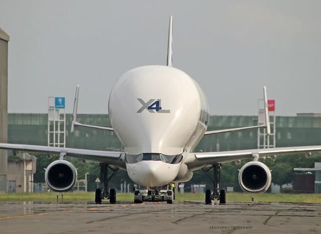 BelugaXL_Airbus_F-WWCO-005_cn1985