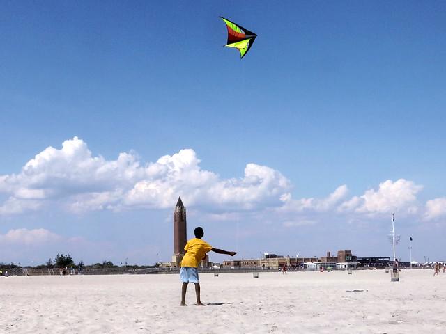 kite flying @ Jones Beach (b)