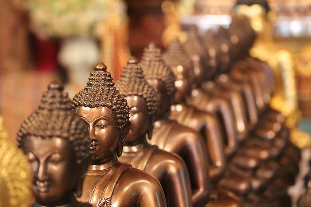 Un Bouddha peut en cacher un autre et un autre