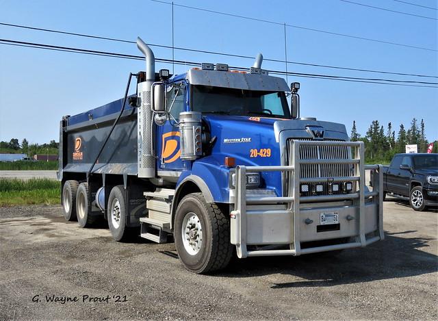 Western Star 4900SB Dump Truck Dumoulin Trucking Unit 20-429