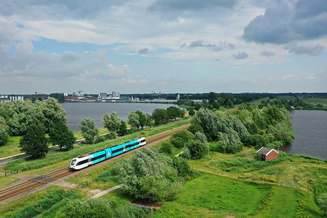 Arriva GTW 2-8 10302  - trein 37854  Groningen - Veendam  - Foxhol