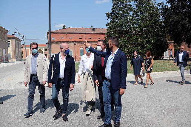 Bonaccini e la giunta regionale visita al Circondario