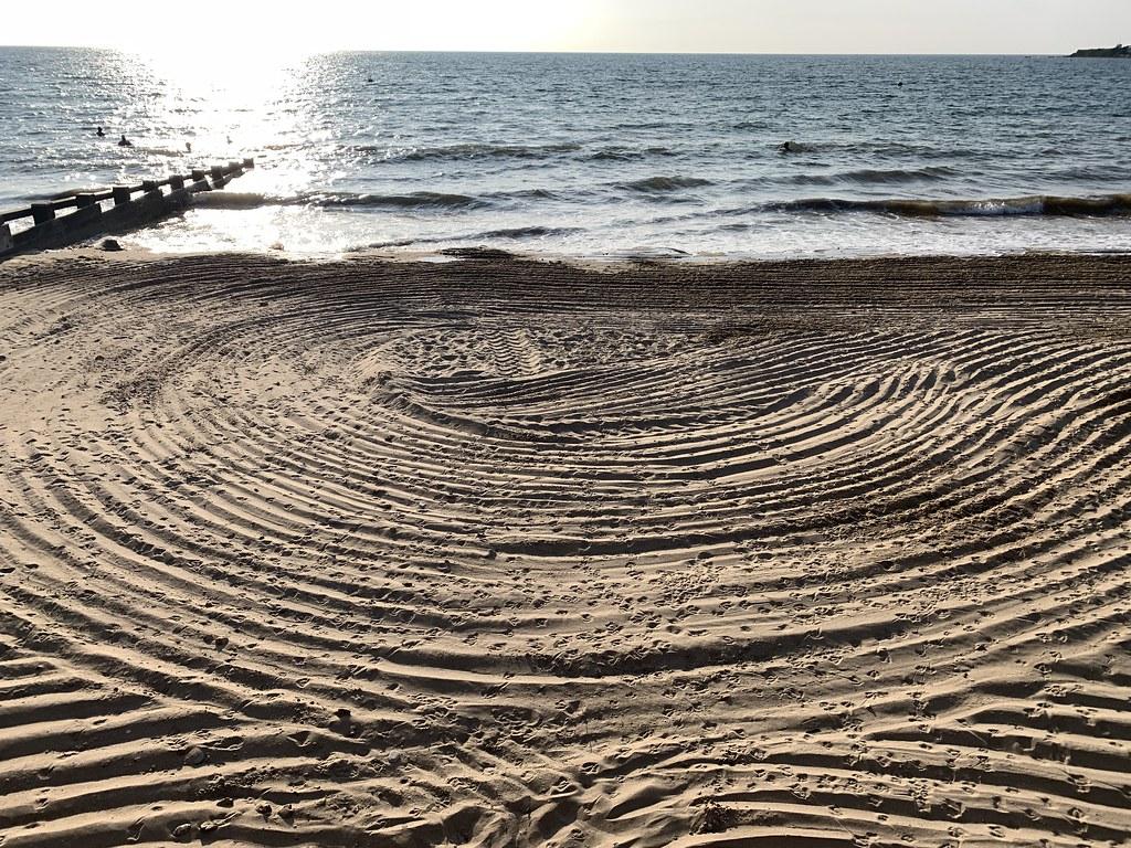 Patterns on Swanage beach