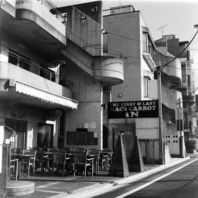03Rolleiflex 2 8f+Fujifilm ACROSⅡ100目白三丁目マックスキャロット