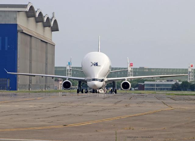 BelugaXL_Airbus_F-WWCO-006_cn1985