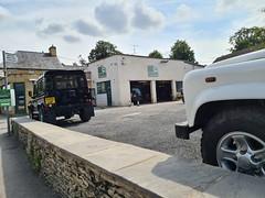 Land Rover Garage