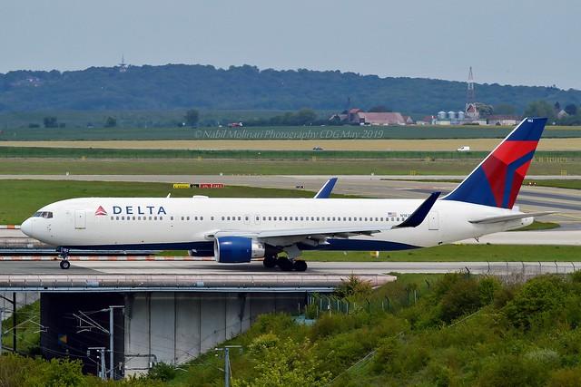 Delta Air Lines N182DN Boeing 767-332ER Winglets cn/25987-461
