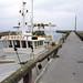 Chalutier à l'entrée du port de Grandcamp-Maisy
