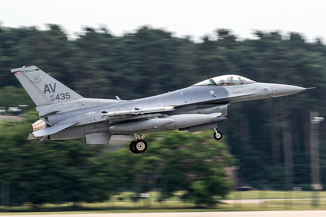 88-0435 / United States Air Force / Lockheed Martin F-16CG Fighting Falcon