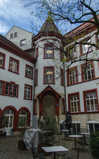 Tourelle de la bibliothèque municipale - Cour des forgerons #2 / Türmchen der Stadtbibliothek - Schmiedenhof #2