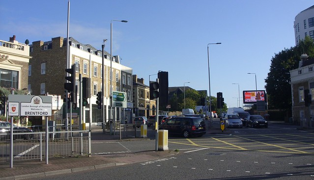 Near Kew Bridge Station