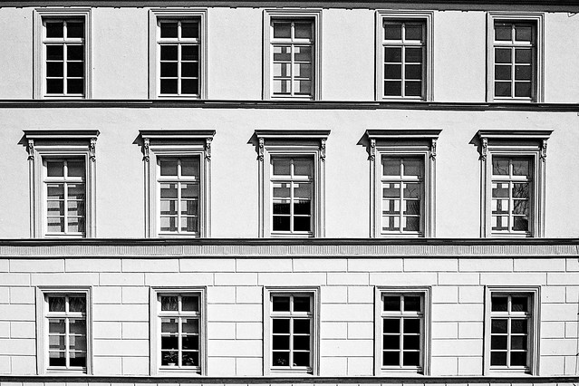 15 windows. There are even more, but my lens was not wide enough.