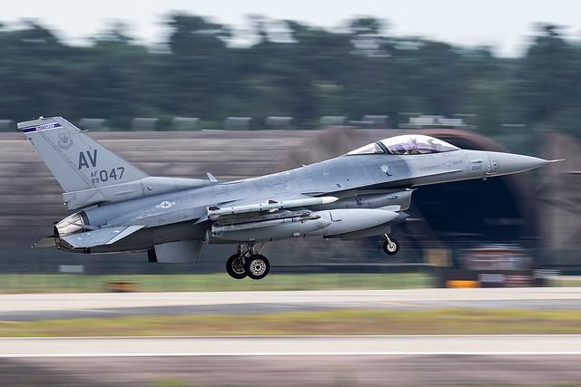 89-2047 / United States Air Force / Lockheed Martin F-16CG Fighting Falcon