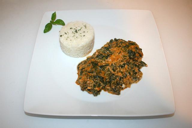 30 - Salmon cream gratin with spinach - Served / Lachs-Sahne-Gratin mit Spinat - Serviert