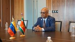 Surinam y Venezuela sostienen reunión bilateral