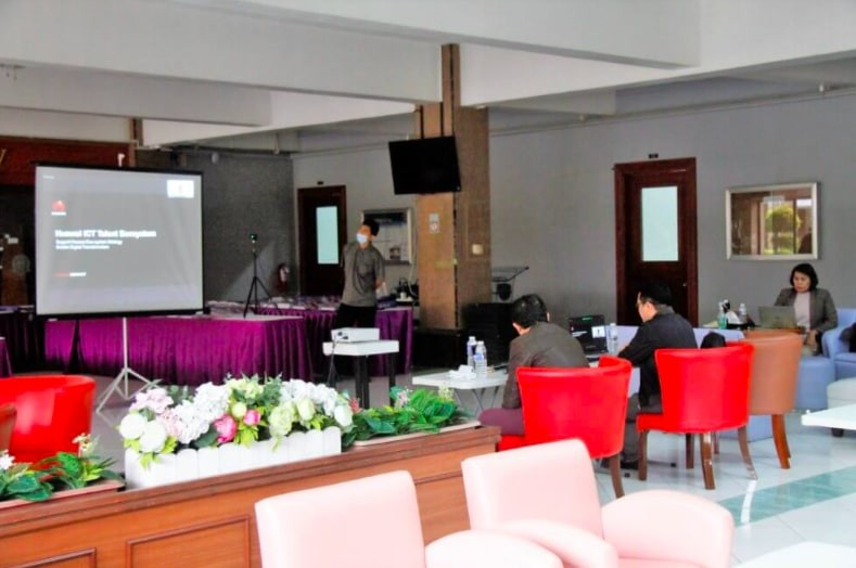 Huawei, JMC ink ICT deal - Photo 1