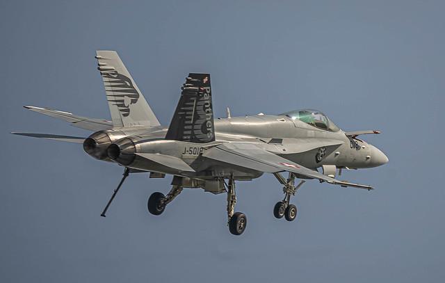 LSMP: Swiss Air Force / Boeing F/A-18C Hornet / J-5018