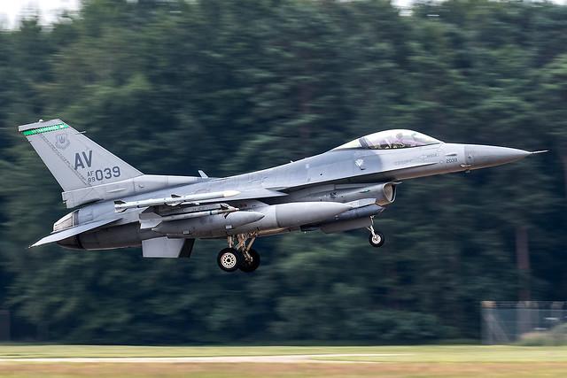 89-2039 / United States Air Force / Lockheed Martin F-16CG Fighting Falcon