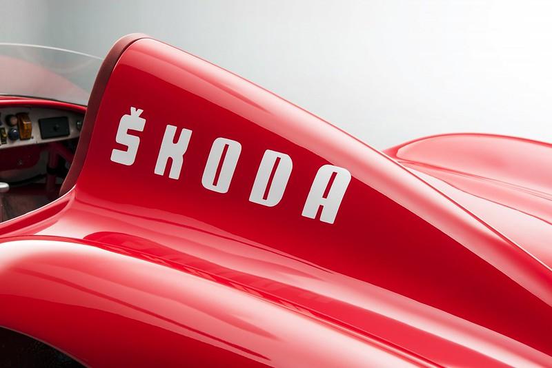 1957-ŠKODA-1100-OHC-7