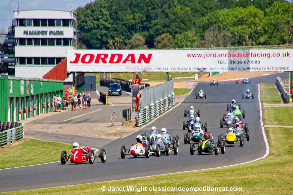 500 Owners Association race 1 Mllory Park June 2021 Darrell Woods Staride Mk3 leading