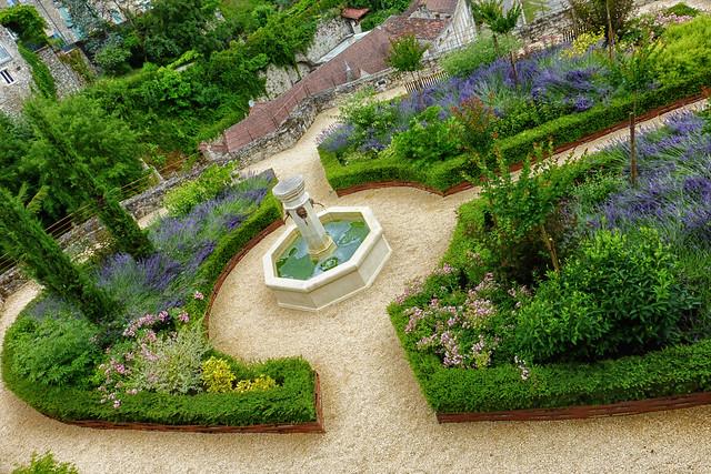 Small Tuscan Garden / Albas 3