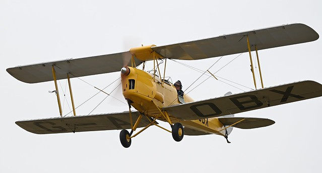 De Havilland DH-82A Tiger Moth G-AOBX RAF T7187