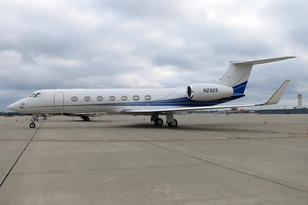 N2929 Gulfstream GV-SP at KCLE